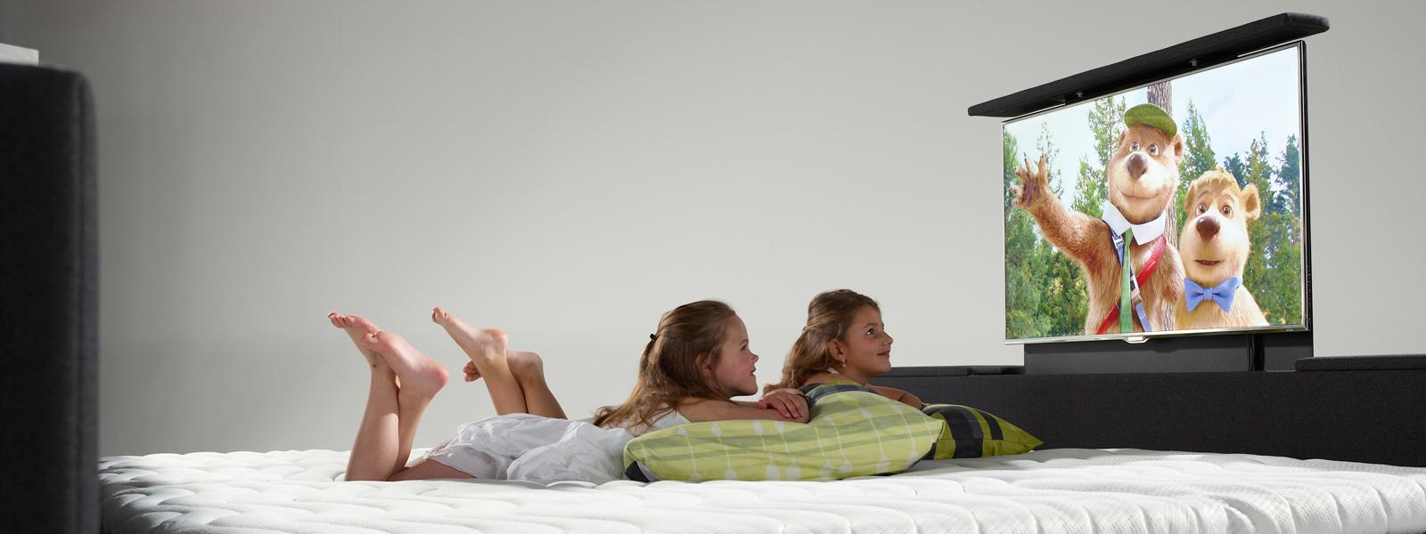 bioscoopbed met tv bij boxspringfabriek.nl — Boxspring kopen?